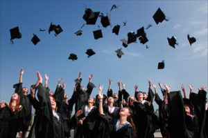 4 Lucrative Ways to Help Pay for College Working Part-Time
